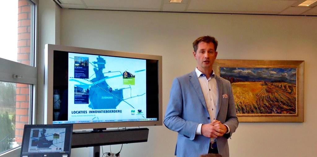Fred Stol presenteert Innnovatieboerderij Foto Henk Bakker copy